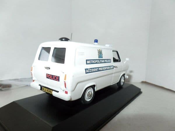 Atlas JA17 1/43 O Scale British Police Ford Transit Metropolitan Force